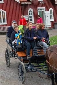 Man kunde åka med häst och vagn från mangelboden och drängstugan bort till och runt ridhuset. Foto: Anna Jolfors 2011.