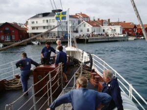 Ångaren Bohuslän styr in mot Gullholmen. Foto: Anna Jolfors 22/7 2011.