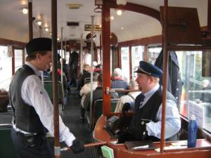 Spårvagnen från 1953 hade två konduktörer. Foto: Lars Gahrn