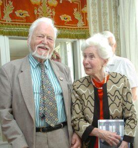 Göran Michanek och Kerstin Nilsson berättar gärna om Francisco de Miranda. Foto: Rodolfo A. Castex.