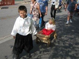 Även soldatfamiljernas barn hade roligt under   Klippan-dagarna
