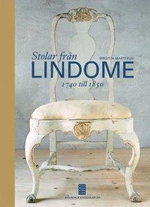 Så här ser boken om Lindomestolar ut.