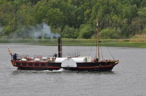 Eric Nordevall går uppströms i Göta älv. Foto: Bo   Björklund.
