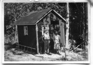 I Hulelyckan byggdes först en kolonistuga.