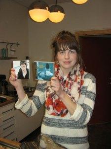 Elin Åström, Lerums idérika kultursamordnare, sålde Claes och Maria Pihls cd-skivor.