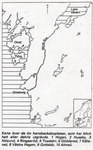Karta över de tio hensbackaboplatser, som har blivit helt eller delvis utgrävda. 1 Hogen, 2 Huseby, 3 Nösund, 4 Ringseröd, 5 Tosskärr, 6 Göddered, 7 Kållered, 8 Västra Hagen, 9 Gottskär, 10 Almeö.