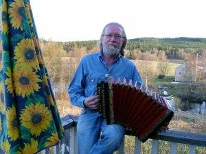 Dragspelsforskaren Bo Nyberg är själv en framstående dragspelare.