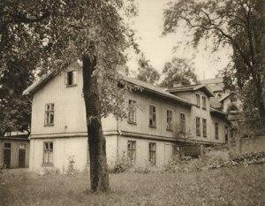 Forsåkersgatan 2C, en förnämlig gammal byggnad. (Bild ur Papyrus' jubileumsskrift 1945.)