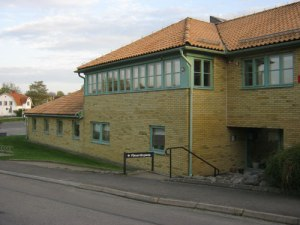 Stensjökyrkan – en omväxlande byggnadskropp.