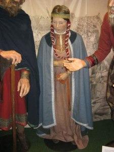 Äntligen har Kungälv fått en docka, som föreställer Margareta Fredkulla. Foto: Lars Gahrn.