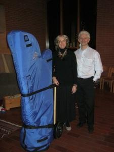 Harpan har klingat färdigt och har blivit klädd i reskläder. Längst till vänster Jan Ryderstam.