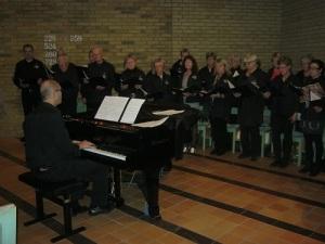 Brynolfskören sjunger i Stensjökyrkan. Foto: Lars Gahrn.
