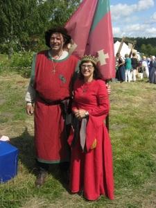Konungen och drottningen av Locks rike har all anledning att vara stolta över sin nya borg.