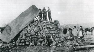 Även de största stenblock kunde resas utan tillgång till lyftkranar.