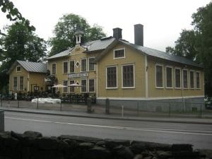 Kungälvs stad har förnämlig trähusarkitektur. Foto: Lars Gahrn.