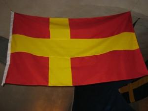 Finlands rödgula korsfana sammanfaller med Skånes. Så här kunde Finlands flagga ha sett ut, om inte rött av flera anledningar hade varit en olämplig färg. Foto: Lars Gahrn.