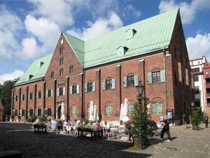 Kronhuset – monumentalt genom sin enkla och slagkraftiga arkitektur.
