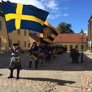 Karoliner på Kronhusgården. Foto: okänd.