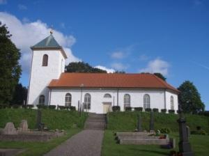 Härryda kyrka, vacker både på sommaren och på vintern. Foto: Stefan Leonardsson.