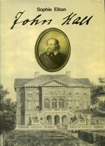 Sophie Elkans roman John Hall har kommit ut i fem upplagor (1899, 1906, 1913, 1918 och 1993). Detta är utgåvan från 1993, språkligt moderniserad av Karin Westerlund.