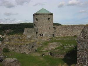 Bohus fästning är mäktig även när den ligger i ruiner. Foto: Lars Gahrn.