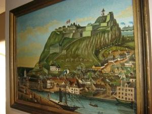 Högt på en klippa ligger Fredrikstens fästning, men svenskarna kom bakifrån, där fästningen är lättast att nå.