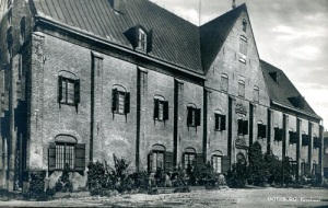 Kronhuset enligt gammalt vykort.