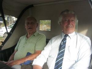 Två nöjda passagerare: Lars Hedberg och Peter A. Lansenfeldt.
