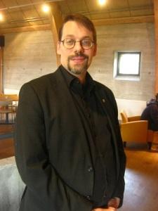 Stefan Högberg i Lödöse museum. Foto: Lars Gahrn 2018.